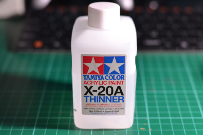 tamiya paint thinner