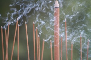 Japanese Incense Evolution: Traditional Scents & Trendy