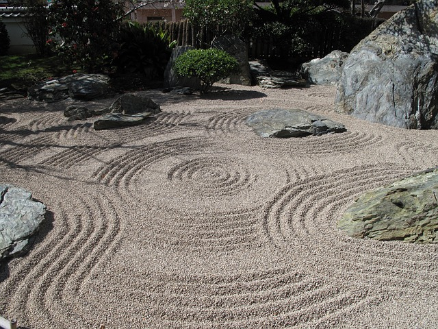 5 Reflections on Why you Need a Desktop Zen Garden FROM JAPAN Blog