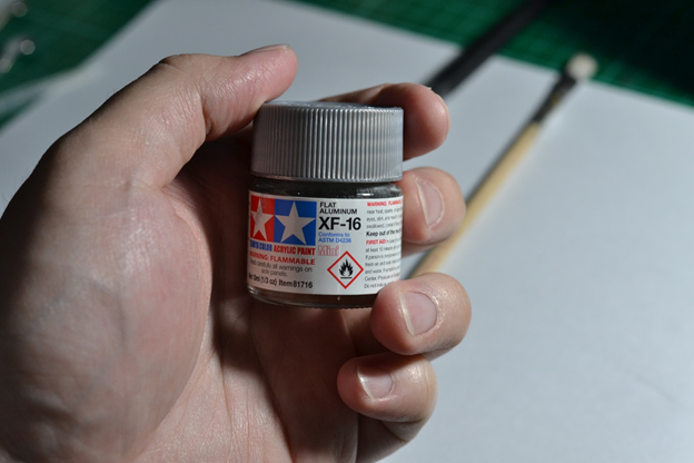 The Gunpla Weathering: Materials for Dry Brushing Tamiya Flat Aluminum Acrylic Paint